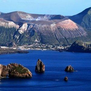 lipari-vulcano-aeolian-islands-yacht-charter