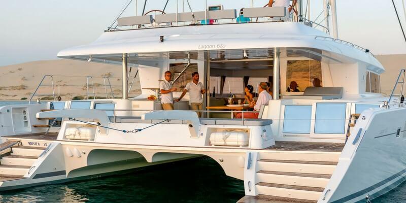 italy-yacht-week-catamaran-charter