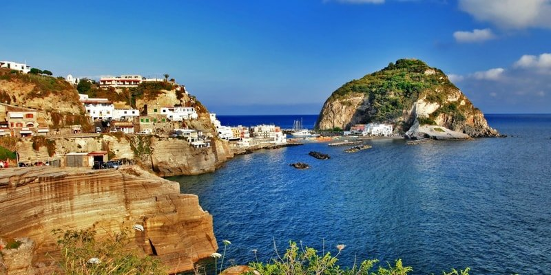 amalfi-coast-luxury-yacht-rental-salerno
