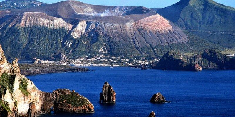 aeolian-islands-sailing-charter-vulcano