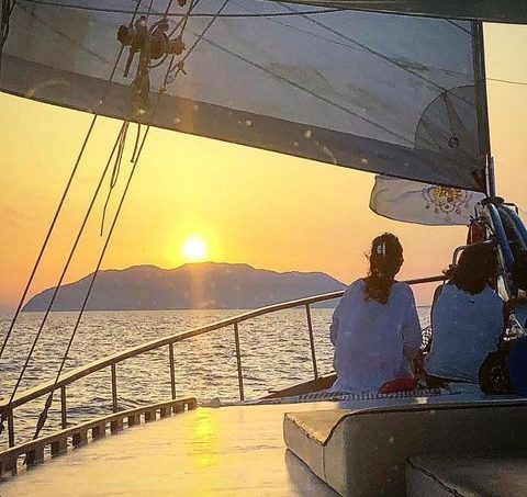 noleggio-caicco-isole-eolie-8-cabine-milazzo
