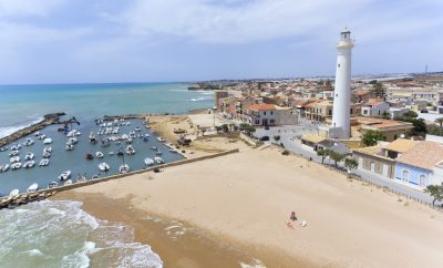 Holidays in Sicily, on the trail of Montalbano by boat